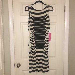 Slimming Black and Ivory Stripped Dress